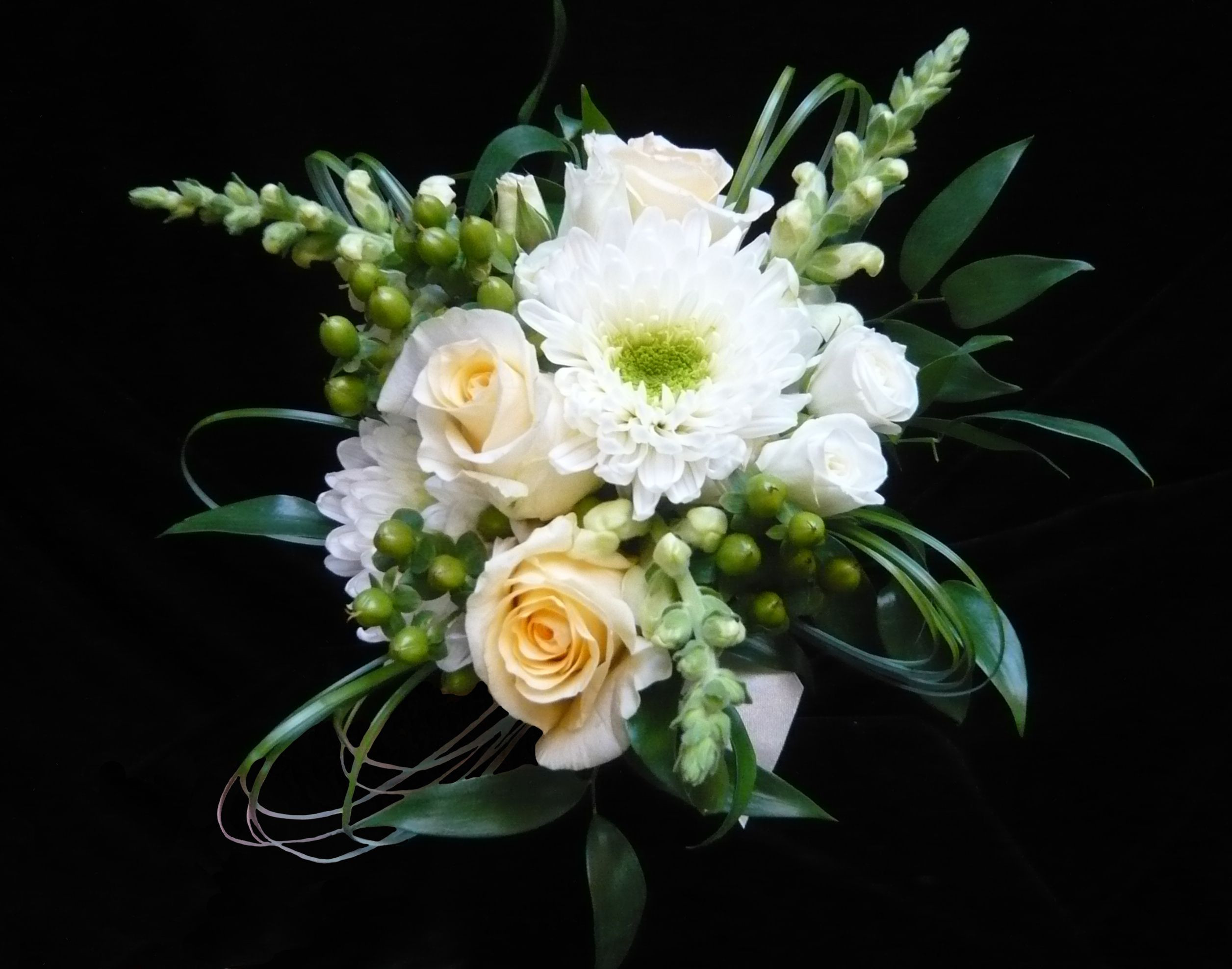 This was just the flower girl s bouquet roses chrysanthemums snapdragons hypericum berries