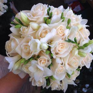 Freesia Flower Inspirational Beautifully Simple Vendella Rose and White Freesia Bouquet