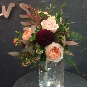 Hypericum Flower Fresh Lovely Bridal Bouquet with Peach Juliet&sweet Avalanche Roses Wax