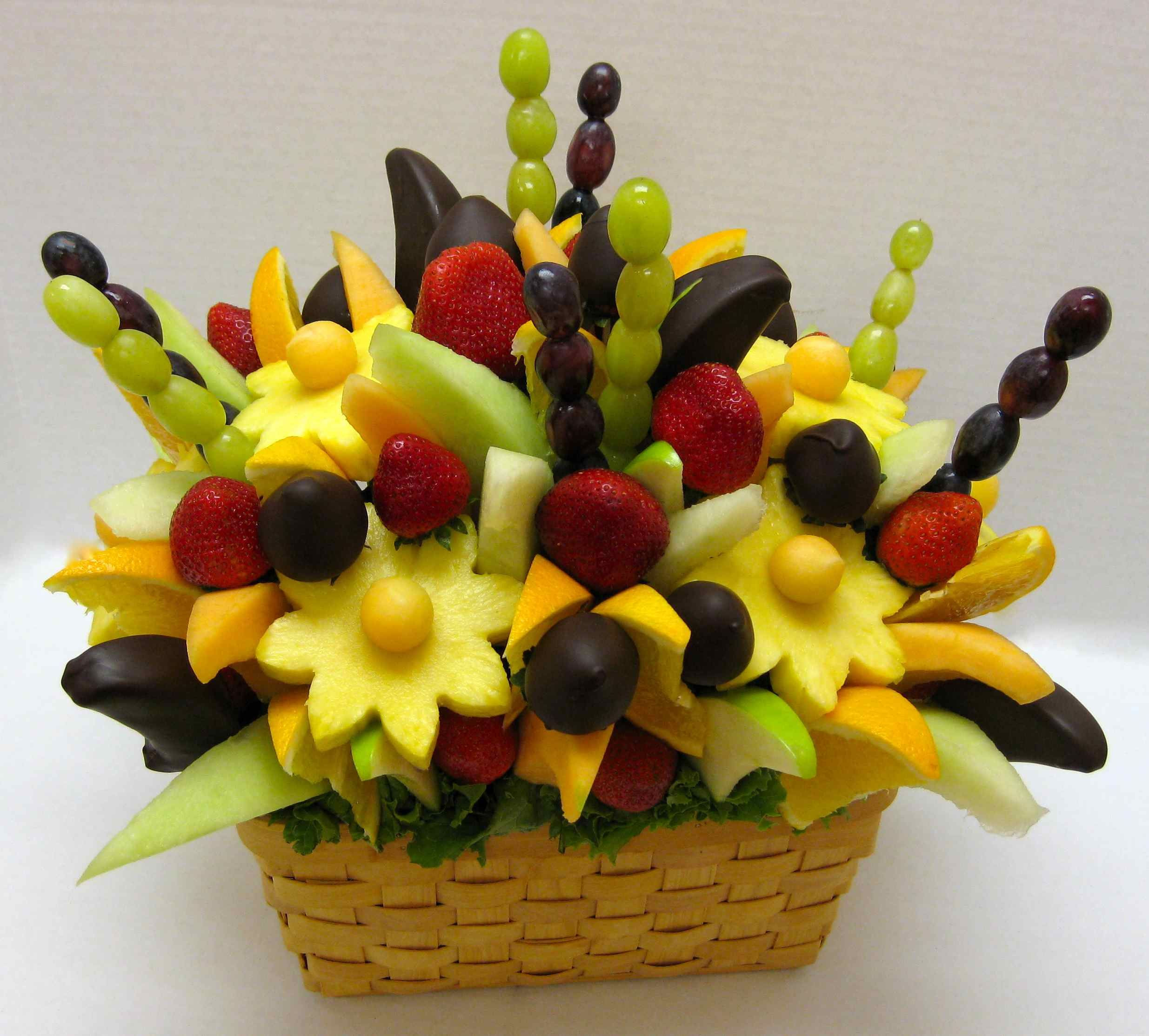 How to make a DO IT YOURSELF edible fruit arrangement crazeedaisee