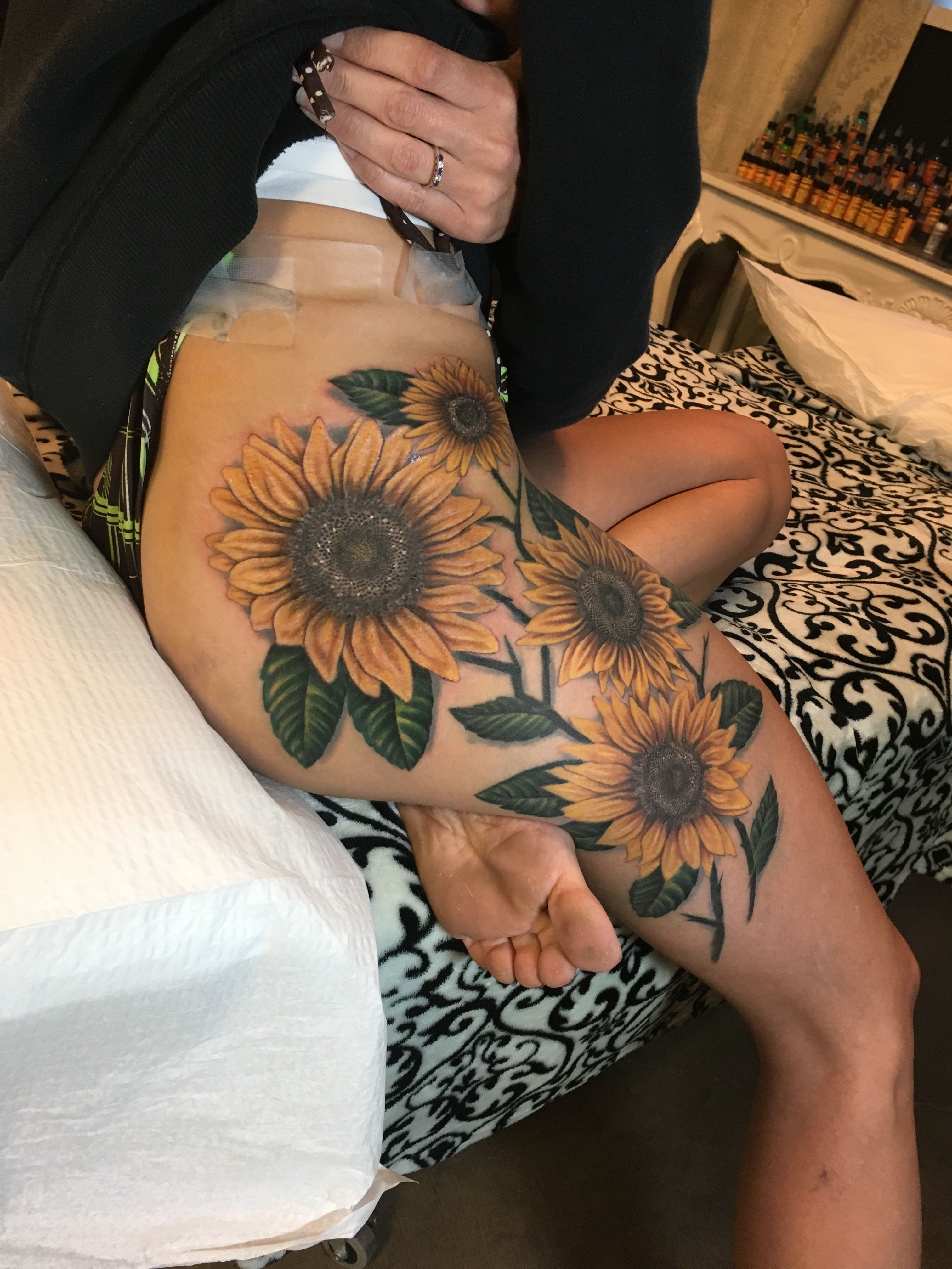 Family birth month flowers all to her Cool idea ❤ Tattoos & Piercings ❤ Pinterest