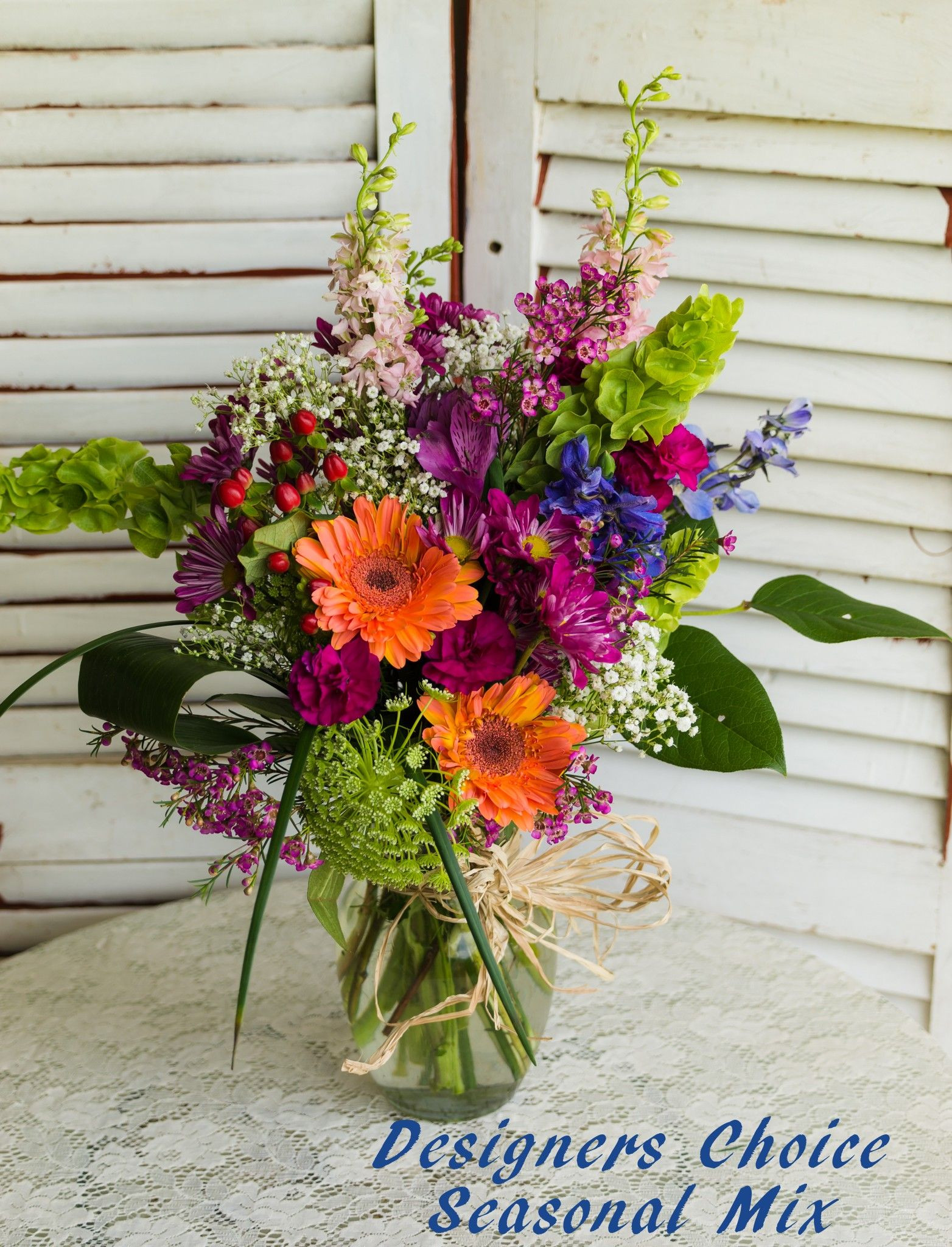 Send Designers Choice Seasonal Arrangement in Cleburne TX from Fountain Designs the best florist in Cleburne