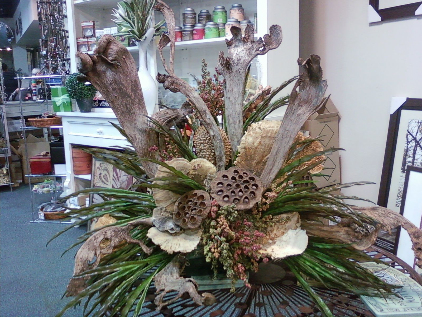 Christmas Flower Arrangements New Drift Wood Arrangement Designed by Sandra Macpherson