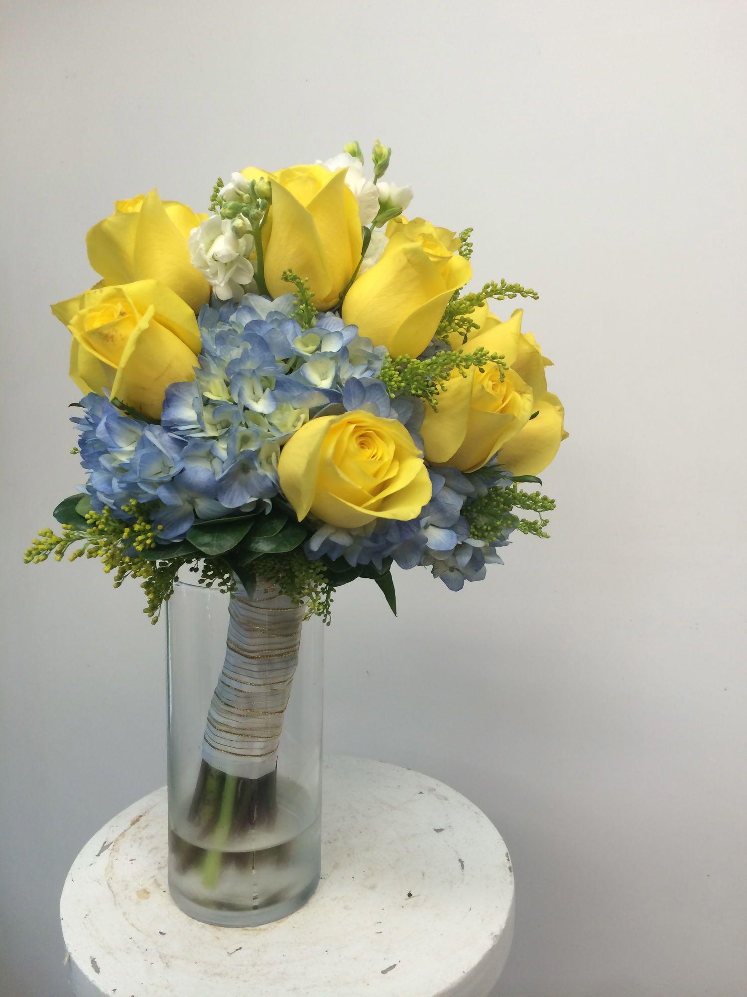 Stephanie s Bridal Bouquet span Blue hydrangea