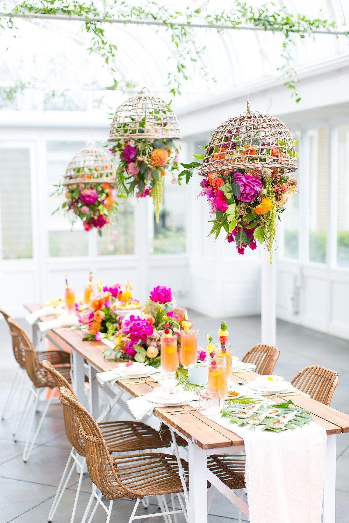 Lustre decorado flores mesa de madeira decora§£o branca e simples DIY Fa§a vocª mesmo o fazer um Lustre Floral Suspenso