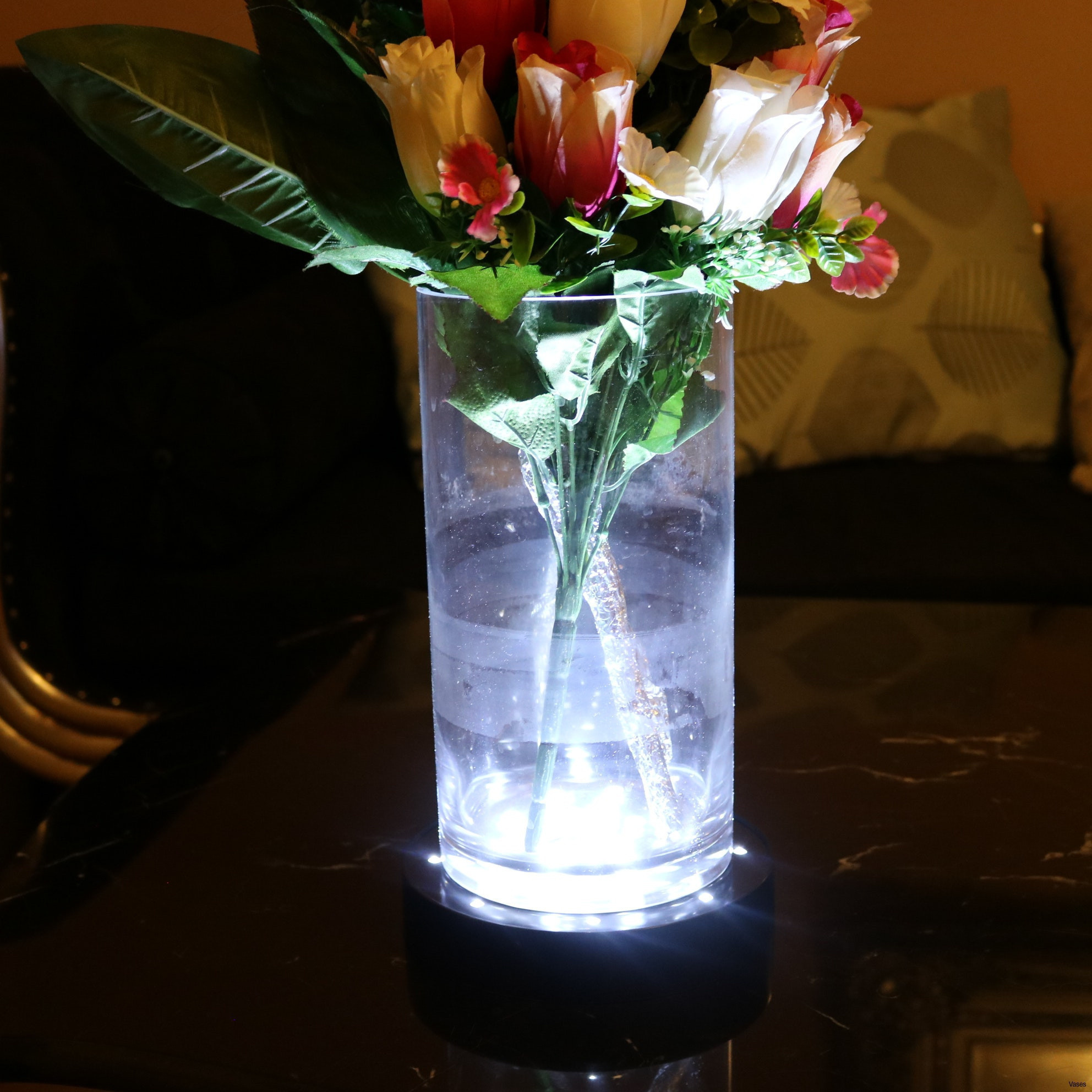 single flower in vase Image