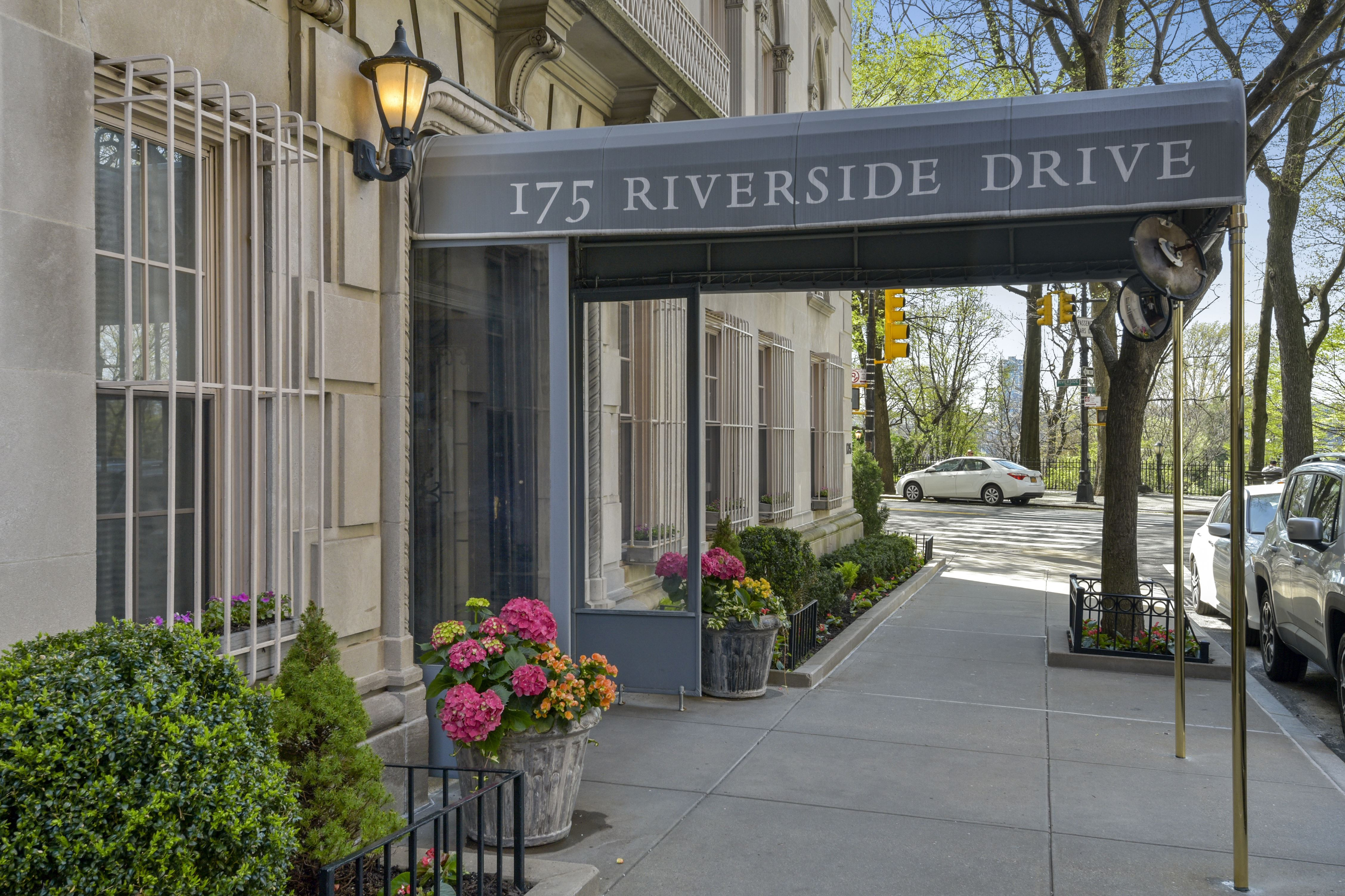 173 175 Riverside Drive 4E 01
