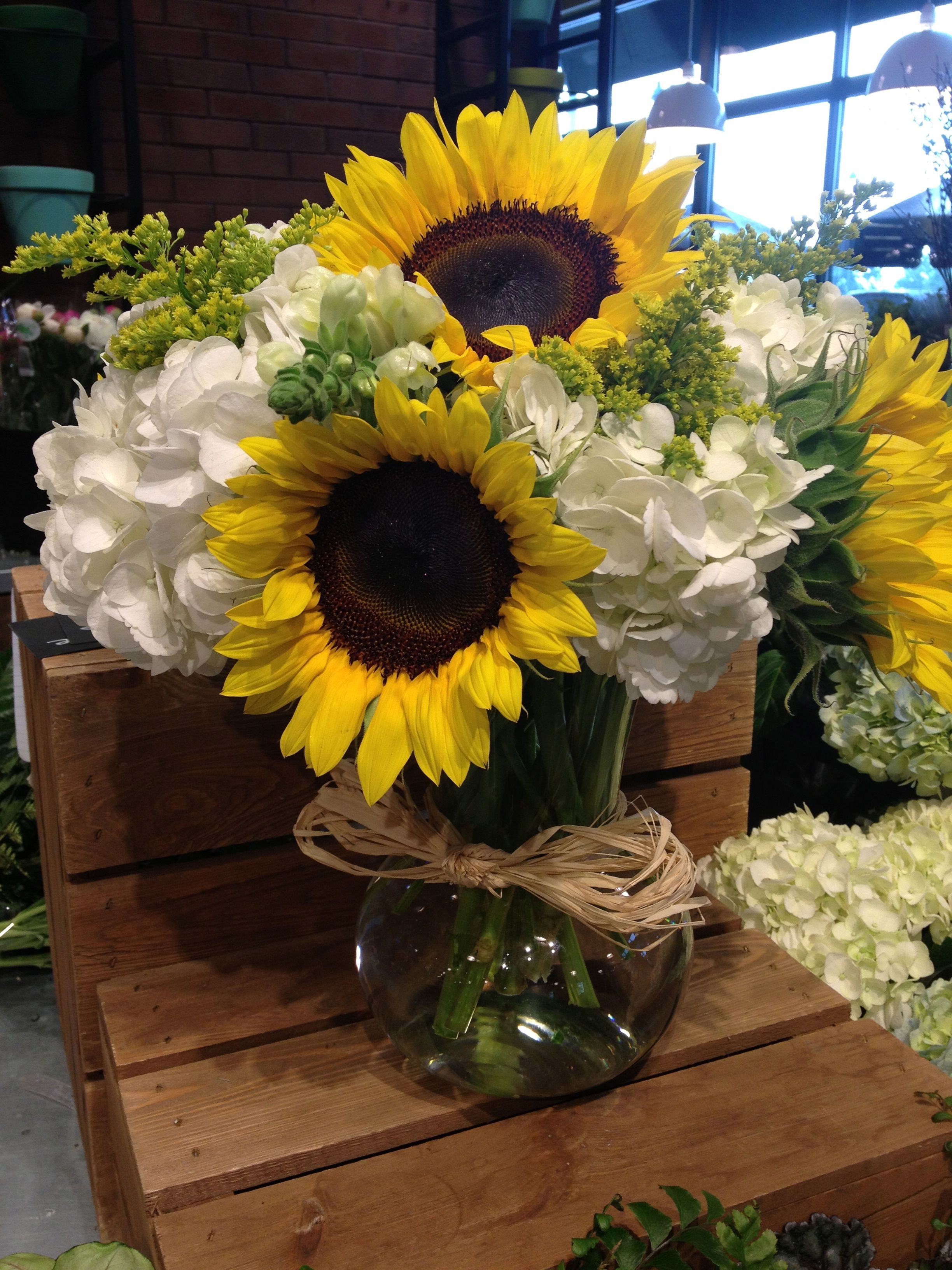 Online Florist Lovely Sunflower and Hydrangea Flower Arrangement Beautiful