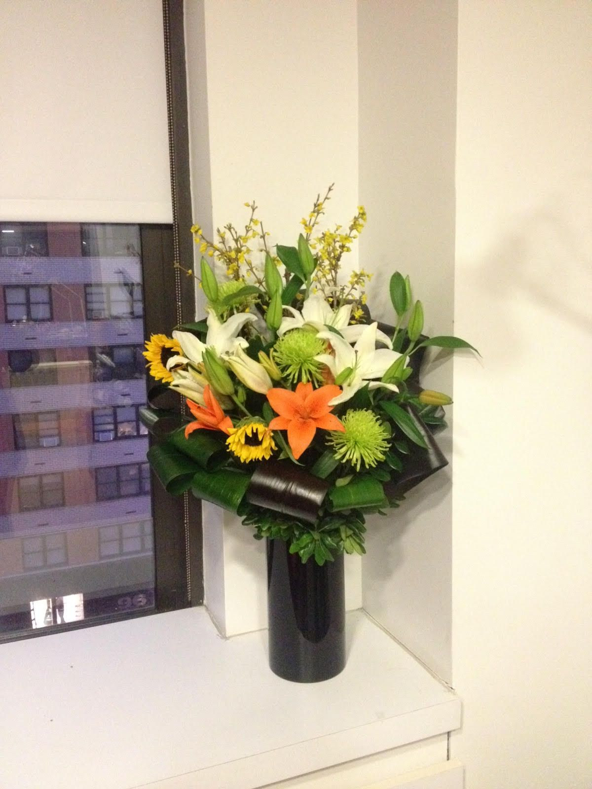 Weekly flower arrangements for office weekly delivery flowers floral fresh arrangement office NYC