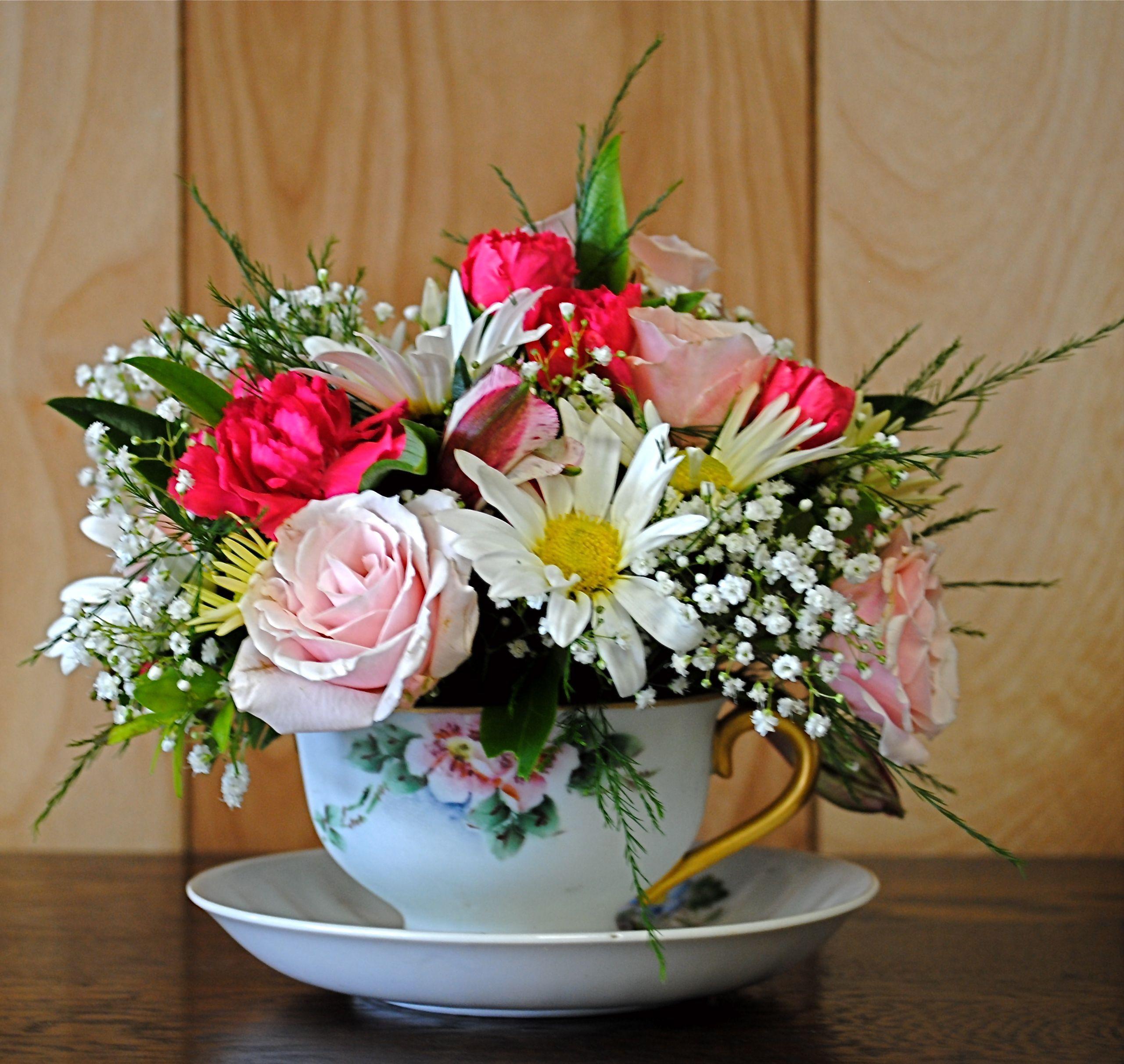 tea cup floral centerpieces