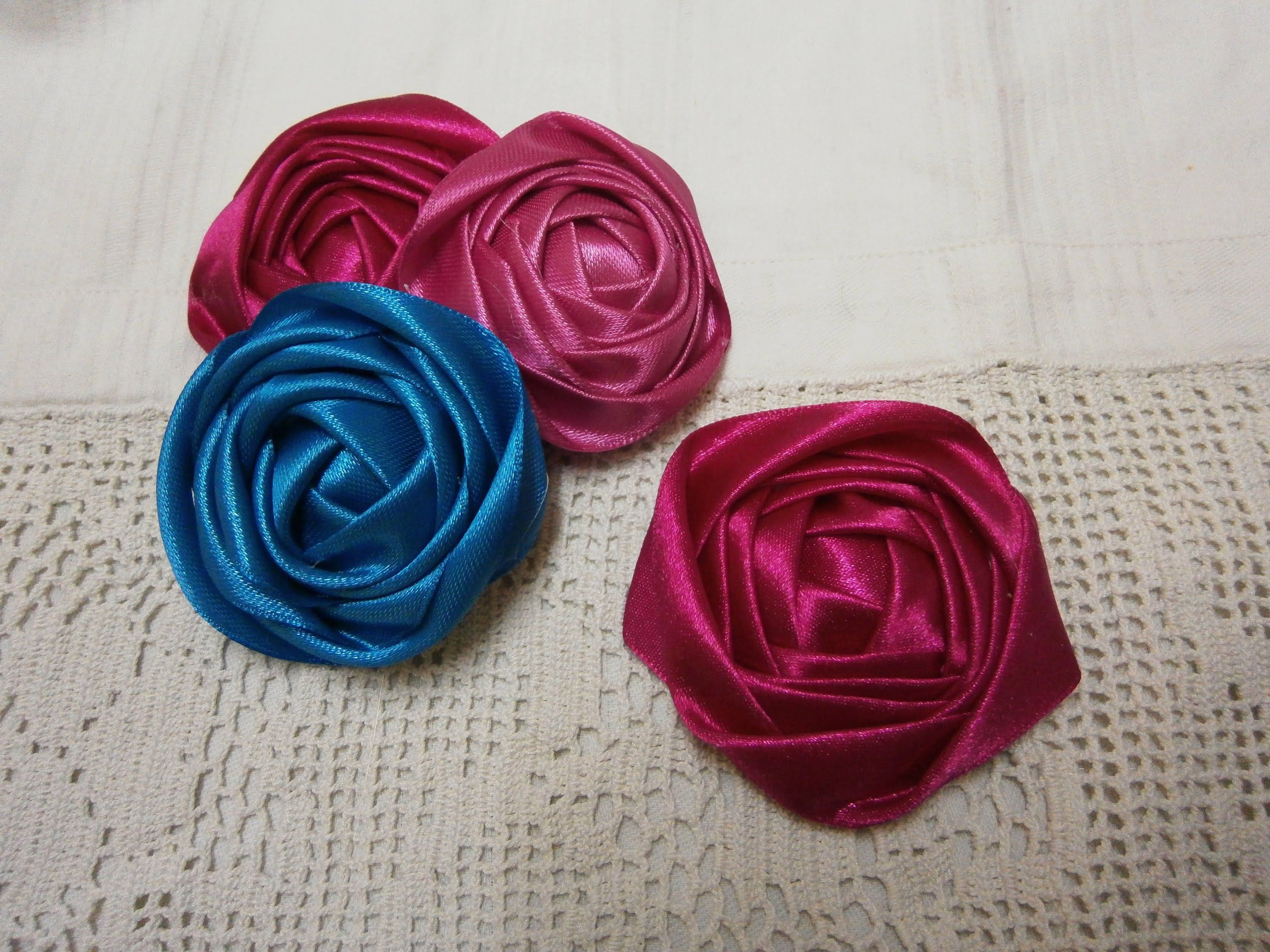 Hello everyone in this tutorial i want to show you how to make ribbon rose