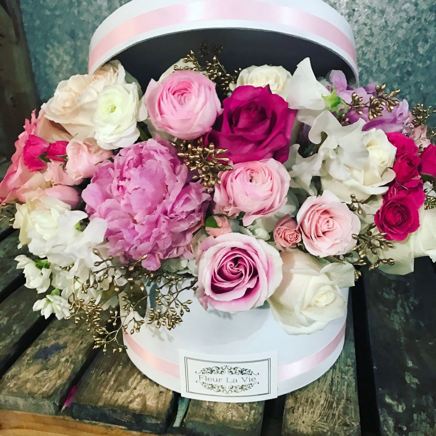 Send Pink The hat box version by Flower Allie and Fleur La Vie in Fullerton CA from Flower Allie the best florist in Fullerton