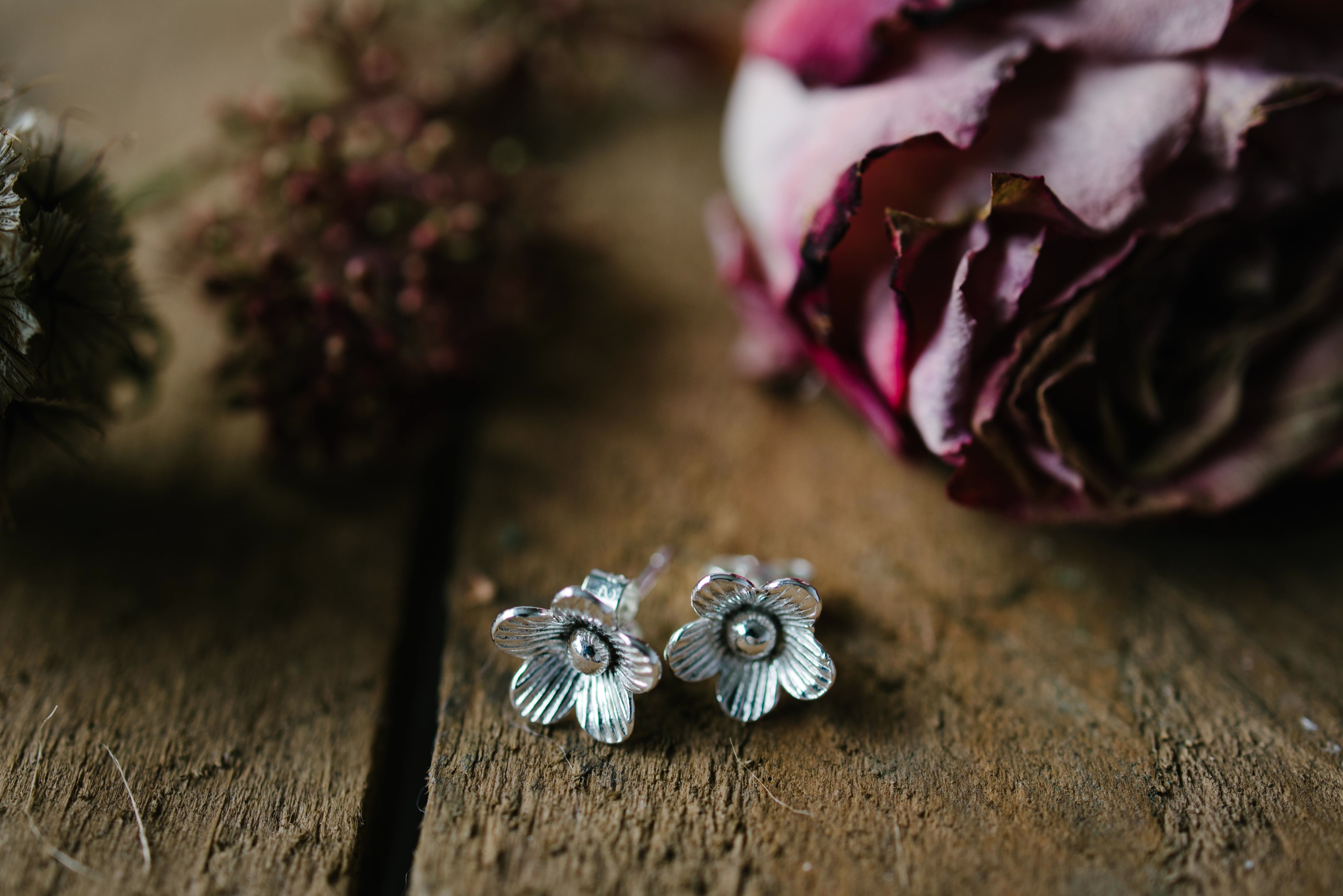Sterling silver flower stud earrings Very feminine