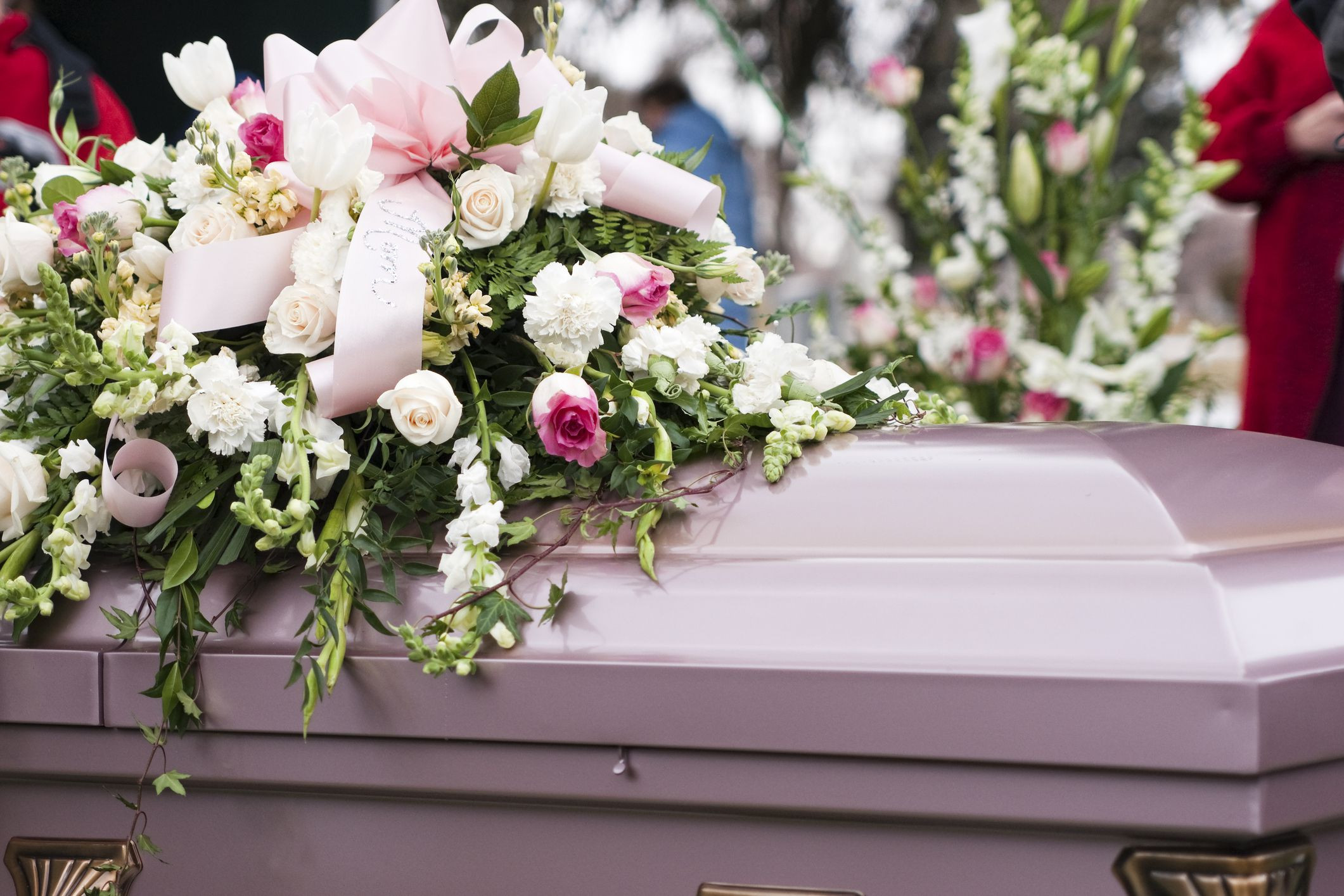 Funeralflowers Getty 5a4878ee89eacc b51fe