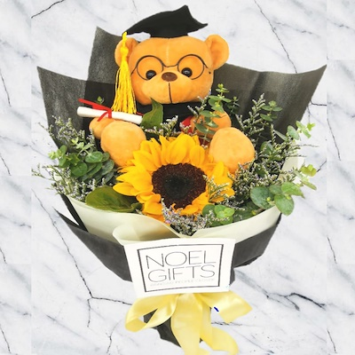 Flowers and Gifts Graduation Hand Bouquets (Qoo10)