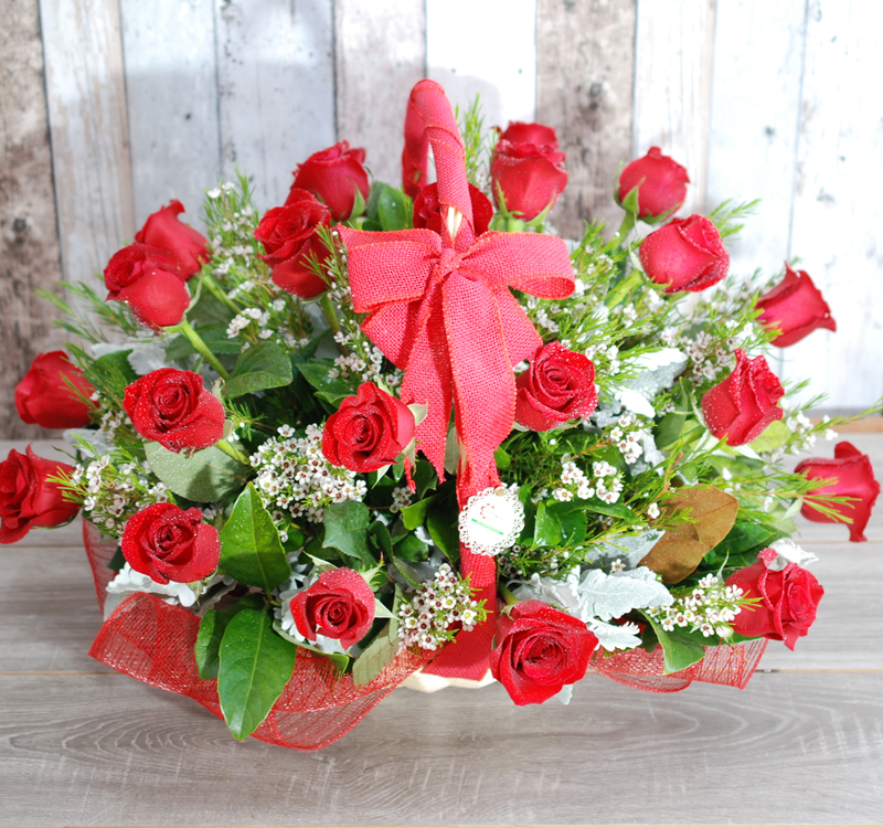 Real Flowers Beautiful Red Rose (angkorflowers.com.au)